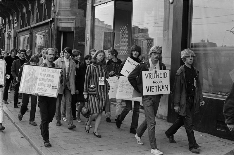 Amsterdam demonstratie actiegroep vietnam het geheugen for Demonstratie amsterdam