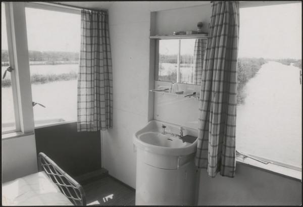 Afbeelding van zomerhuis Verrijn Stuart, ca.1940, interieur ...