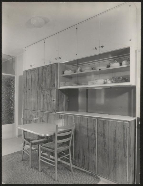 Afbeelding van woning smit kinderdijk wandkast keuken met tafeltje het geheugen van - Afbeelding van keuken amenagee ...