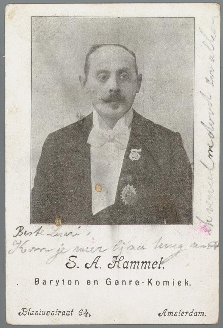 Prentbriefkaart Met Portretfoto Van Bariton En Genre Komiek S A Hammel Uit Amsterdam Ca 1900 Het Geheugen