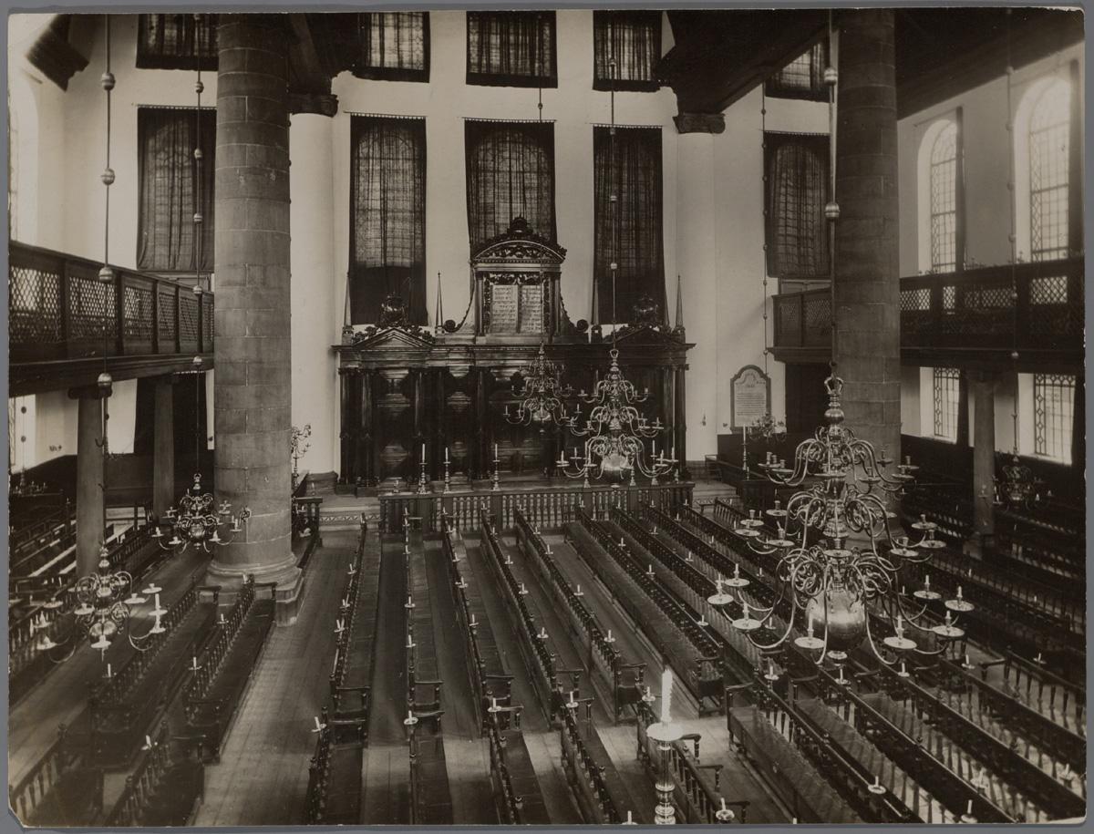 Interieur van de portugese synagoge in amsterdam ca 1920 for Interieur 1920