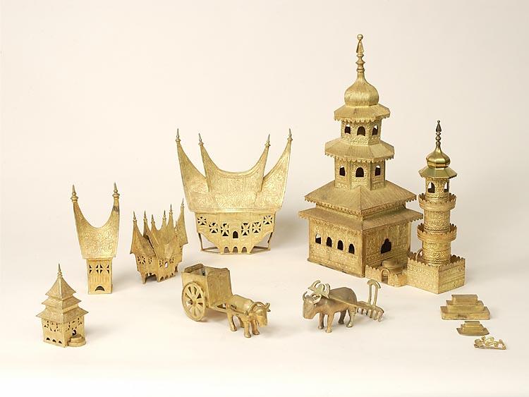Dak van een minaret behorende bij een model van een moskee geheugen van nederland - Model bibliotheek houten ...