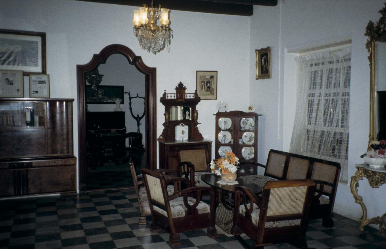 Interieur van het landhuis rooi catootje het voormalig for Interieur online