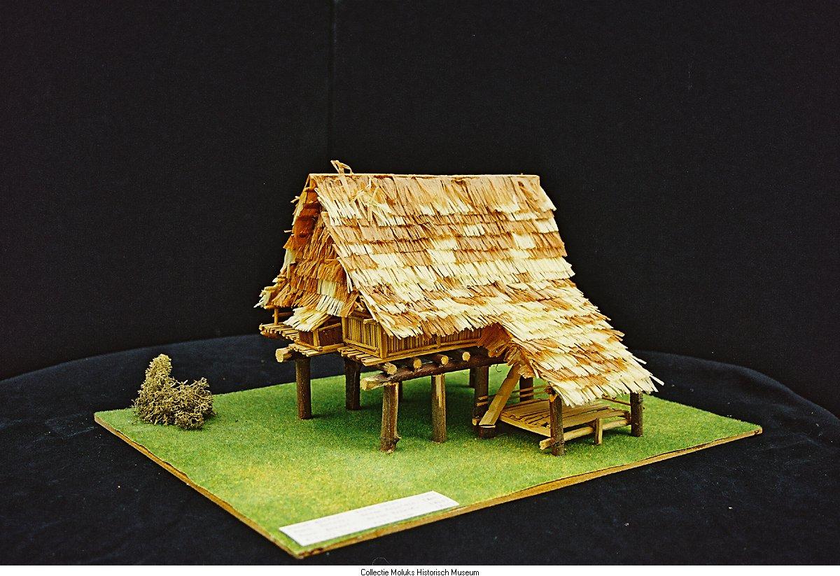 Maquette van een woning huis op palen site title - Ingang van een huis ...