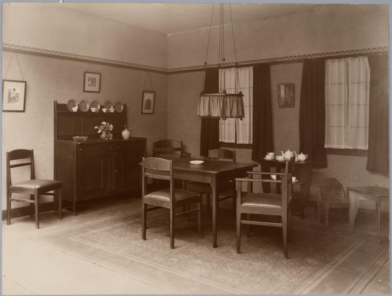 Interieur woonkamer het geheugen van nederland online for Interieur nederland