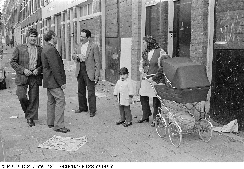 Oude noorden crooswijk rotterdam 1976 geheugen van for Rotterdam crooswijk