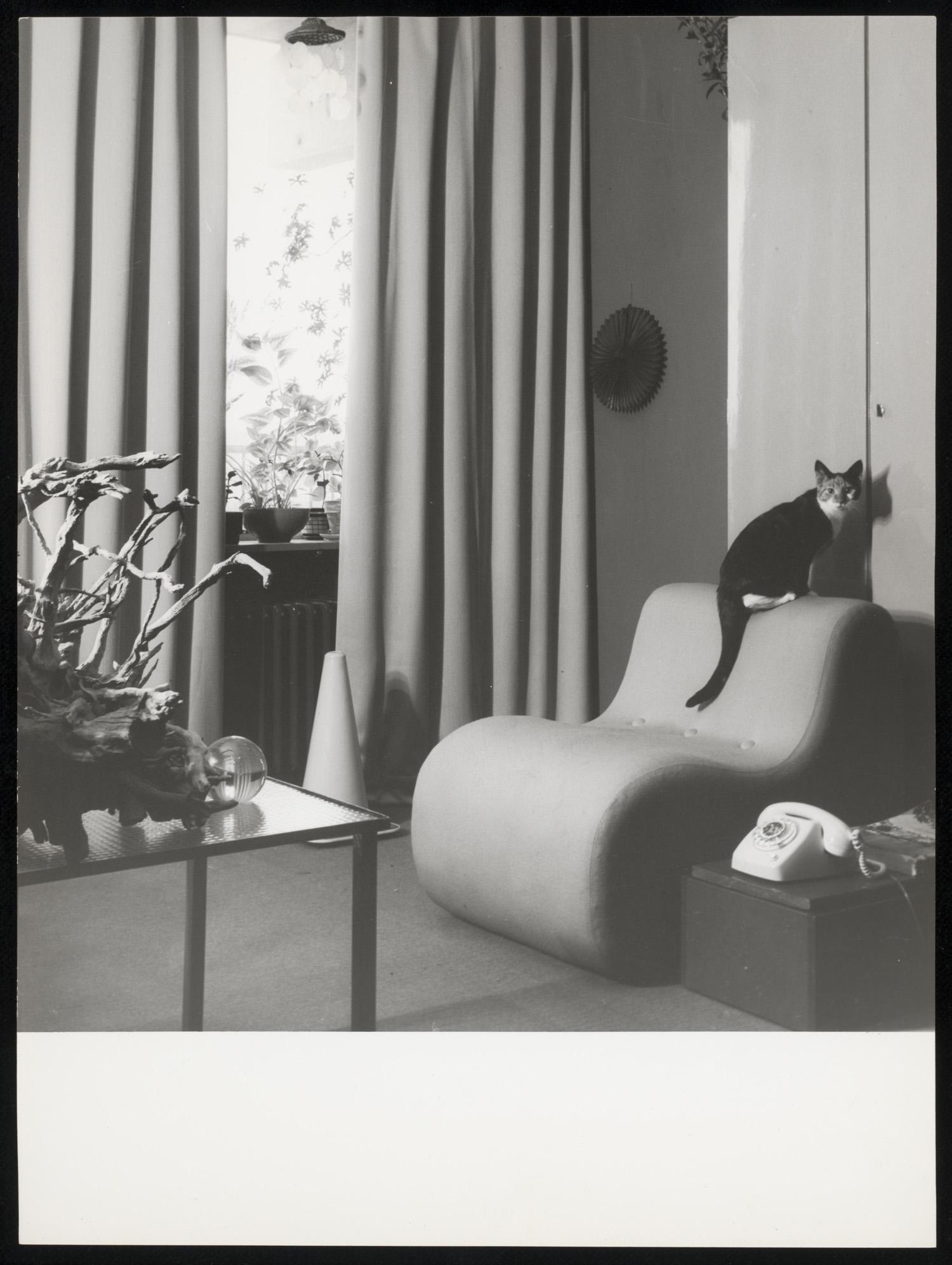 Interieur met lange gordijnen reclame voor aka 1970 for Interieur 1970
