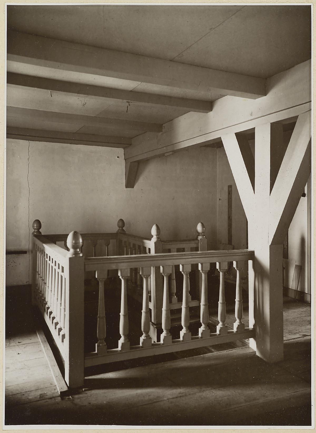 39 s gravenhage korte vijverberg 3 interieur balustrade op zolder bij oude trap het geheugen - Balustrade trap ...