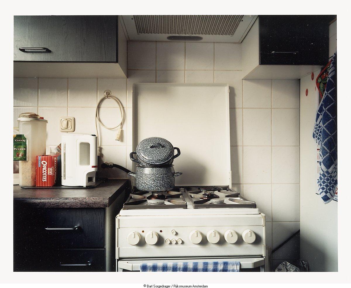 Het oude huis van marijke en humphry de keuken het geheugen van nederland online beeldbank - Keuken in het oude huis ...