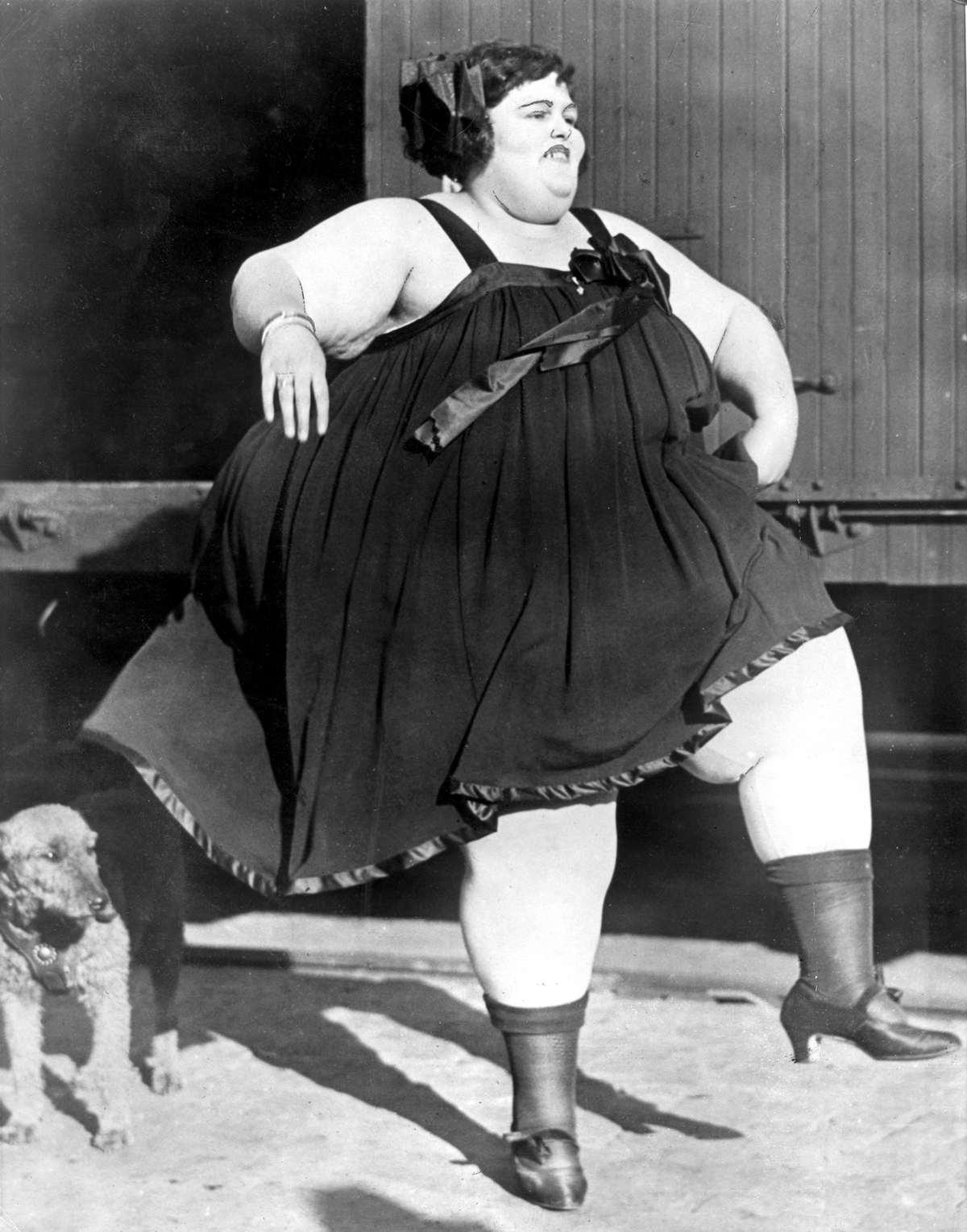 Dikkerds ongemakken alice foulton de dikste vrouw ter wereld 685 engelse ponden maakt een - Gordijnhuis van de wereld ...