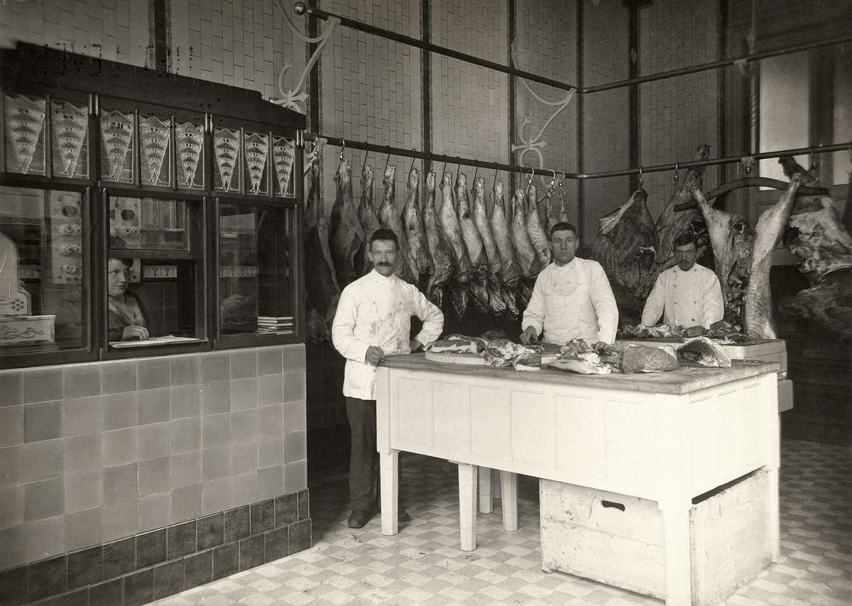 Interieur van slagerij baruch in amsterdam met drie for Interieur nederland