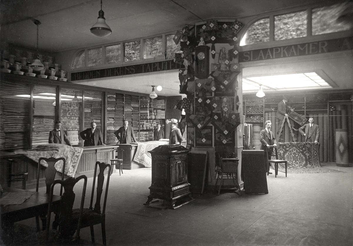 Interieur van stoffenwinkel magazijn de zon aan de for Interieur winkel amsterdam