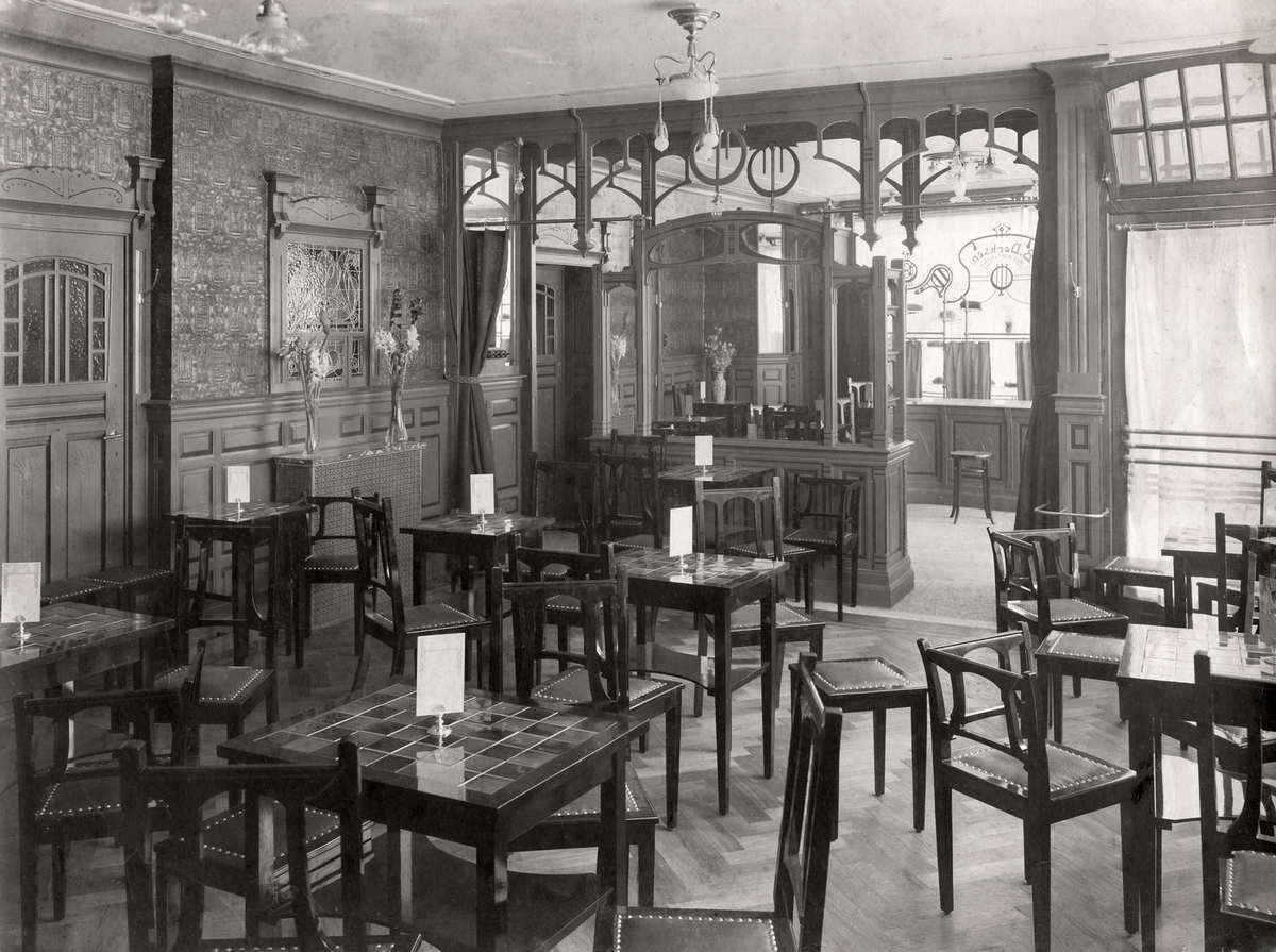 Interieur van lunchroom de oude vette hen in den haag for Interieur 1930