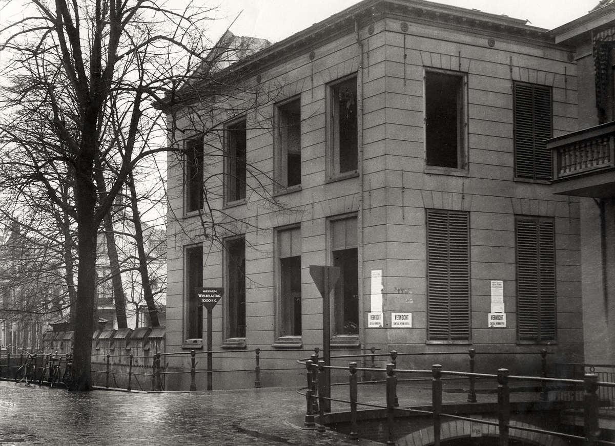 Spookhuizen het leegstaande huis van mr van hall in utrecht bijgenaamd het utrechtse for Lay outs van het huis hal