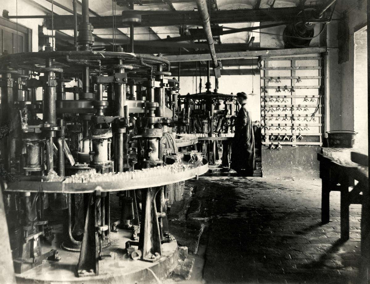 De glasfabriek leerdam 39 de hoop 39 te leerdam nederland for Interieur nederland