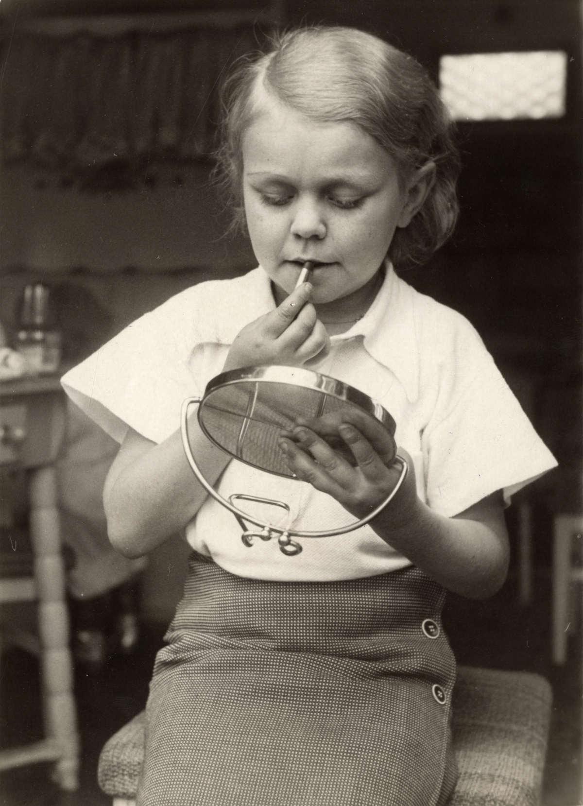 Achondroplasie kleine mensen dwergen lilliputters het dwergendorp of circus te brussel - Klein kamermeisje ...