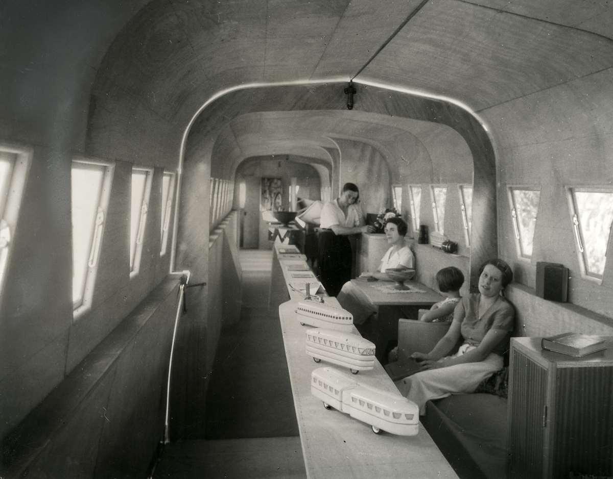 Recreatie het interieur van een uitschuifbare woonwagen caravan die een franse ingenieur - Whirlpool van het interieur ...