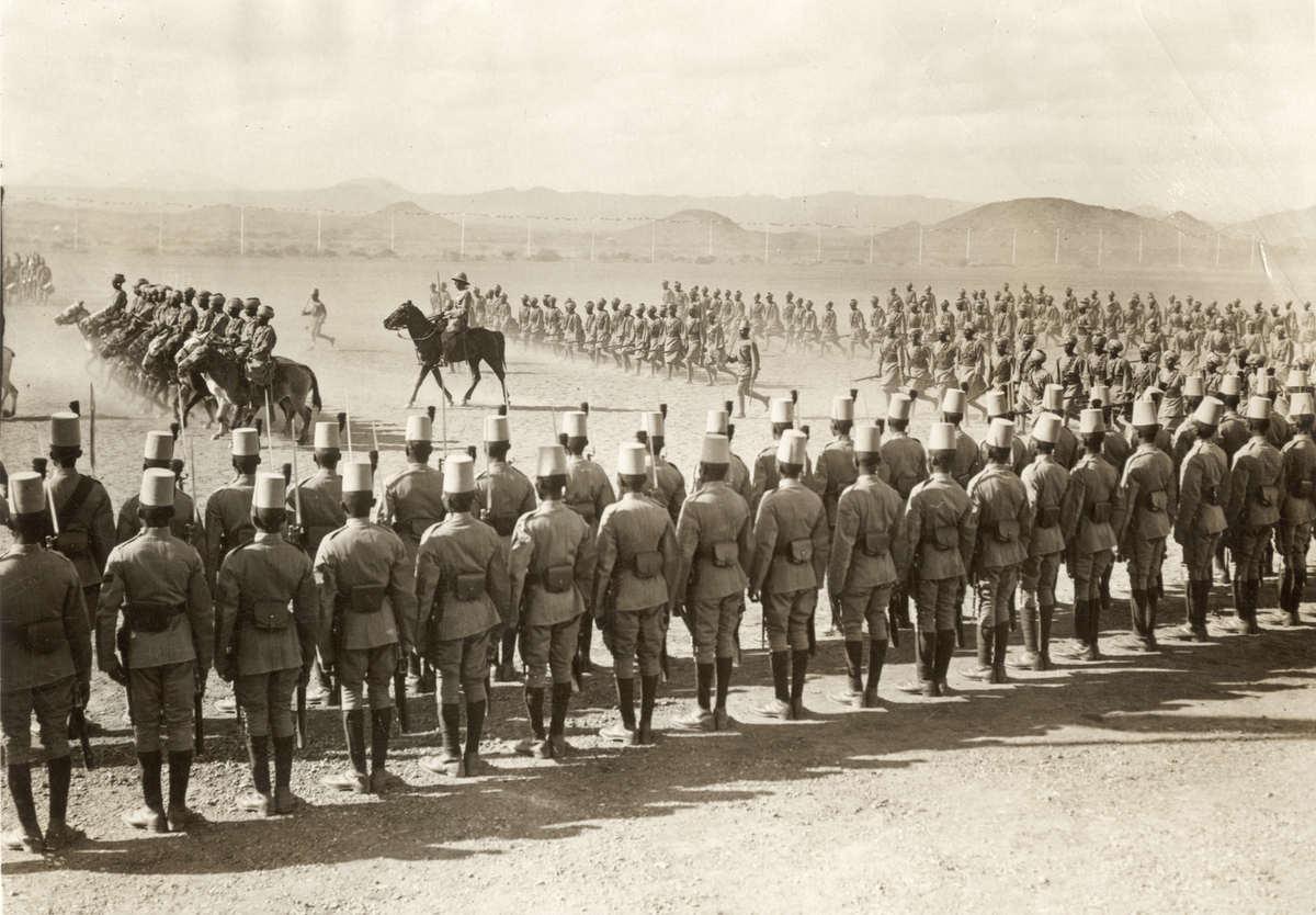 Burgeroorlog/soedan/sudan. soedanese infanterie en cavalerie troepen