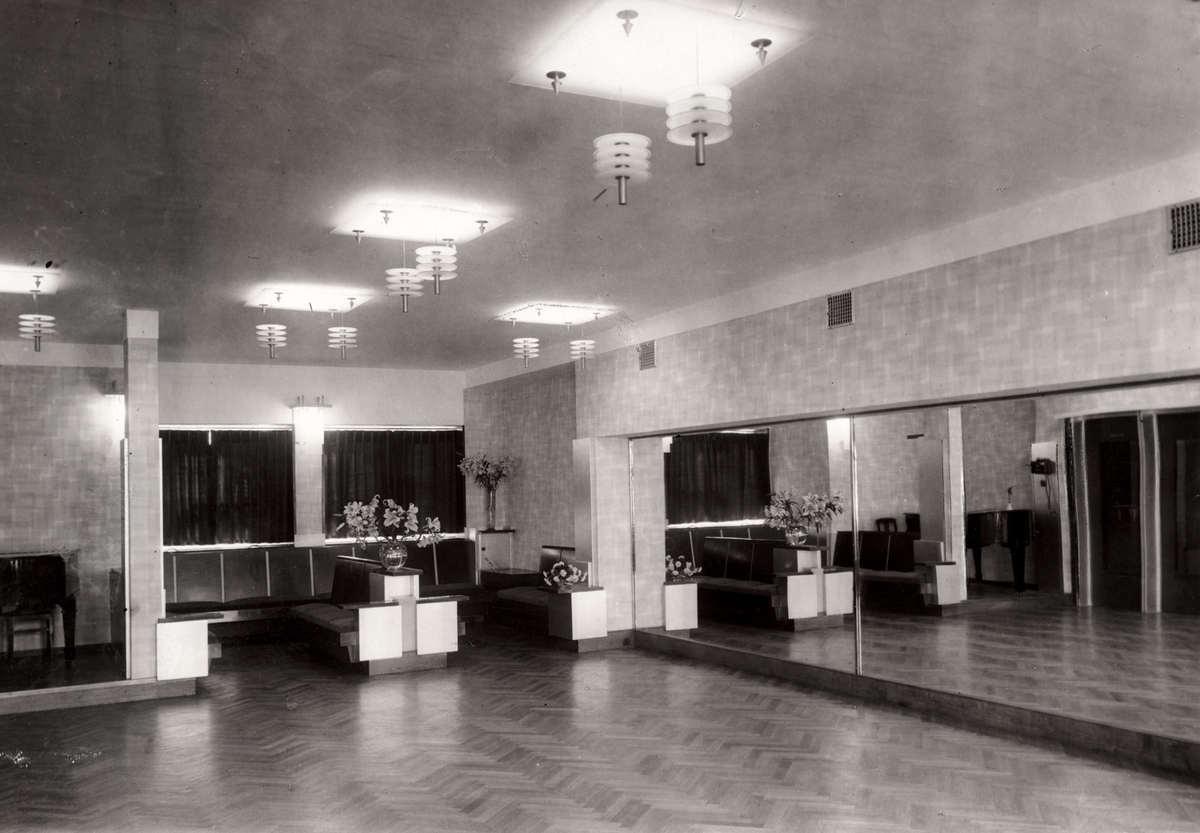 Dans dansscholen interieur interieur van dansinstituut for Interieur ontwerpers