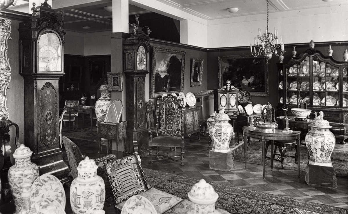 Antiek interieur van kunsthandel 39 katz 39 in dieren for Antiek interieur