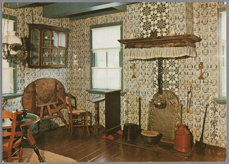Interieur stijlkamer uit de oudheidkamer van de stichting \